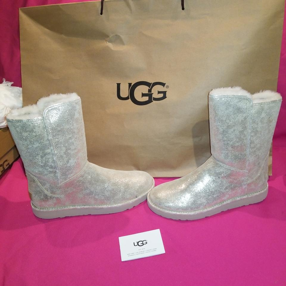 2bcc05c55e2 UGG Australia Metallic Gold Woman's Abree Short Ii Stardust Boots/Booties  Size US 9 Regular (M, B) 30% off retail