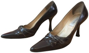 Isaac Mizrahi Vintage Pointytoepumps Classicheels Brown with White Stitching Pumps