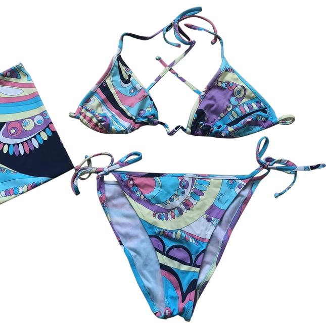 Item - Multicolor String In Printed Microfiber. Comes with Matching Print Storage Bag. Bikini Set Size 10 (M)
