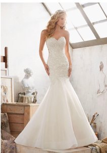Mori Lee Ivory Beaded Corset Top with Organza Bottom Gown Formal Wedding Dress Size 8 (M)