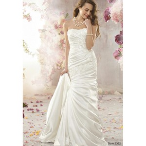 Alfred Angelo White Style 2362 Modern Wedding Dress Size 12 (L)