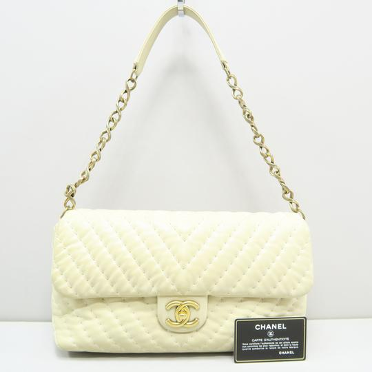 Chanel Chevron Lambskin Shoulder Bag Image 1