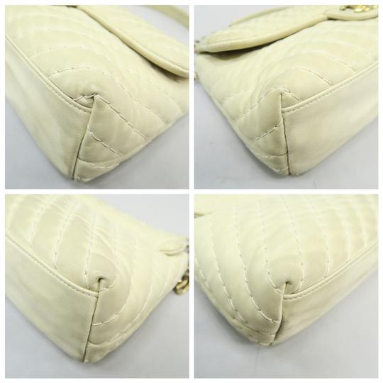 Chanel Chevron Lambskin Shoulder Bag Image 5
