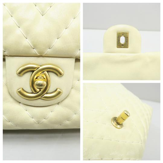 Chanel Chevron Lambskin Shoulder Bag Image 6