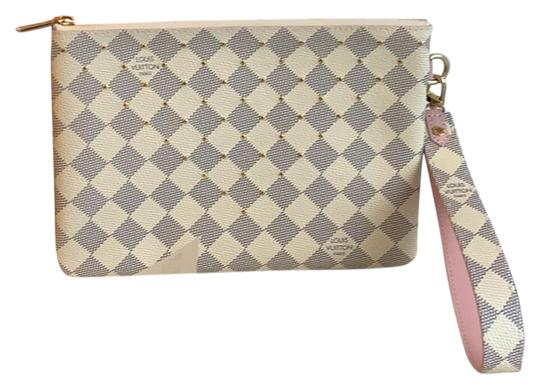 Preload https://img-static.tradesy.com/item/25637642/louis-vuitton-city-pouch-damier-azur-rose-leather-clutch-0-1-540-540.jpg