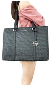 Michael Kors Womens Tote in Black