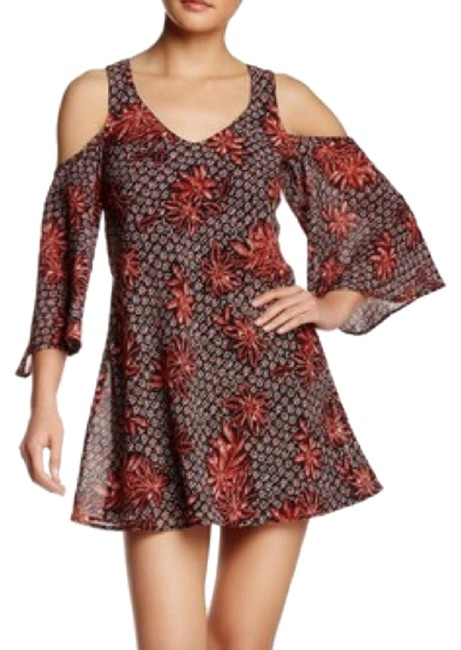 Preload https://img-static.tradesy.com/item/25637802/red-and-nordstrom-floral-cold-shoulder-shift-short-casual-dress-size-0-xs-0-1-650-650.jpg