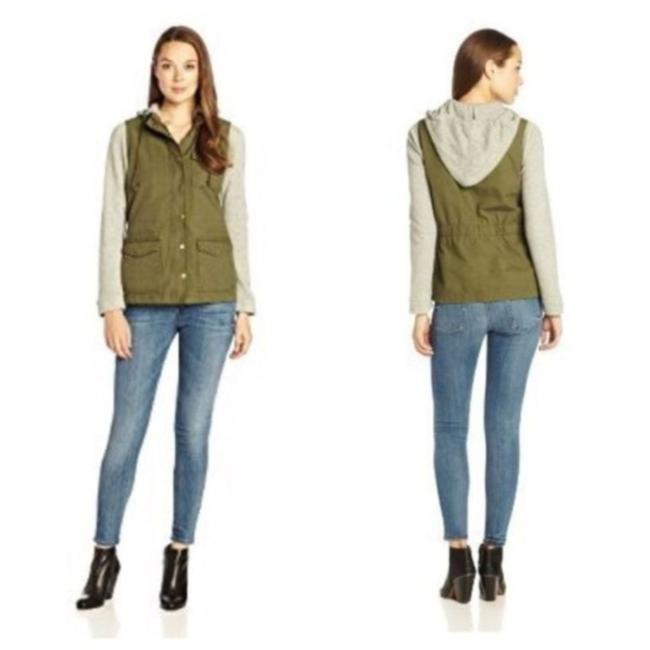 Preload https://img-static.tradesy.com/item/25637828/lucky-brand-green-and-gray-xs-french-terry-jacket-size-2-xs-0-0-650-650.jpg