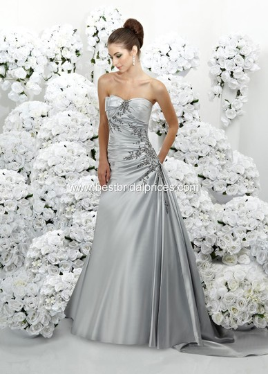 Impression Bridal Diamond White 3071 Feminine Wedding Dress Size 8 (M) Image 0