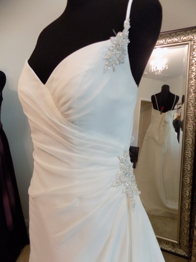 Maggie Sottero Ivory 7038 Destination Wedding Dress Size 8 (M) Image 2