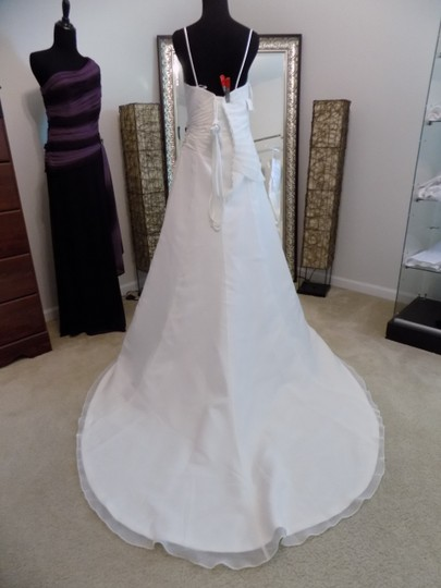 Maggie Sottero Ivory 7038 Destination Wedding Dress Size 8 (M) Image 3