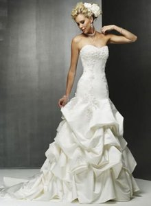 Maggie Sottero White 3135 Destination Wedding Dress Size 8 (M)