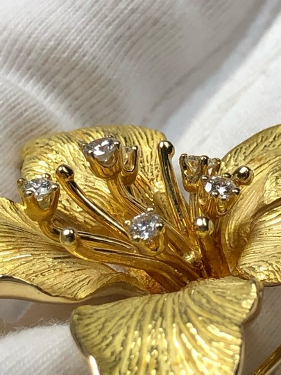 Tiffany & Co. 3 Dimensional Textured Pin Brooch 18K 750 Yellow Gold Image 10
