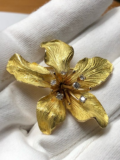Tiffany & Co. 3 Dimensional Textured Pin Brooch 18K 750 Yellow Gold Image 11