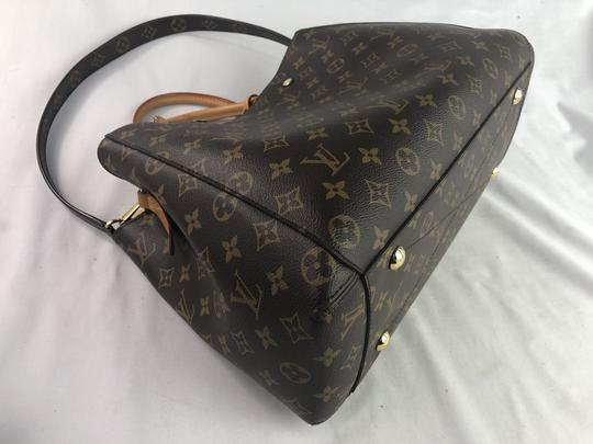 Louis Vuitton Lv Monogram Montaigne Shoulder Bag Image 3