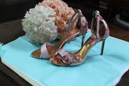 Ted Baker pinks and rose gold Pumps Image 6