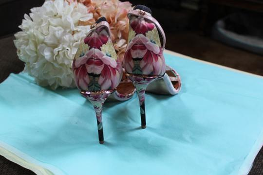 Ted Baker pinks and rose gold Pumps Image 4