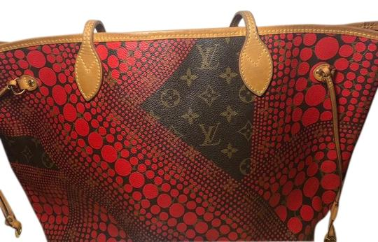 Preload https://img-static.tradesy.com/item/25638054/louis-vuitton-neverfull-red-yayoi-monogram-brown-tote-0-1-540-540.jpg