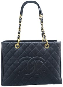 Chanel Caviar Caviar Gst Shoulder Bag