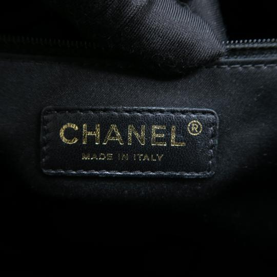 Chanel Caviar Caviar Gst Shoulder Bag Image 10