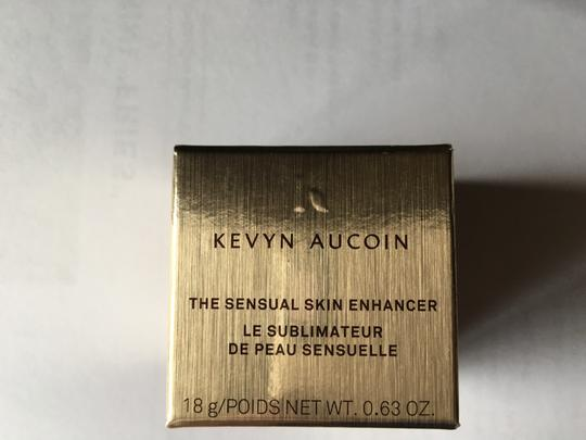 Kevyn Aucoin The Sensual Skin Skin Enhancer Image 2