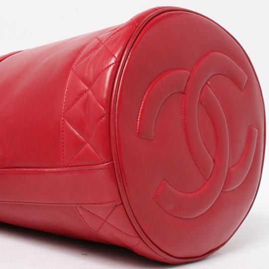 Chanel Bucket Vintage Drawstring Tote in Red Image 7