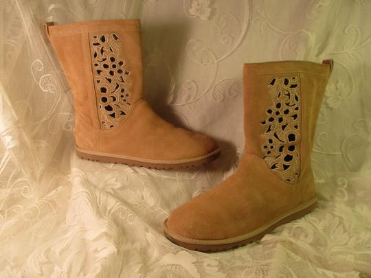 UGG Australia Lo Pro Floral Leather Suede Onm003 sand Boots Image 1