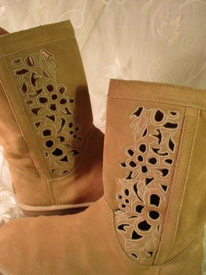 UGG Australia Lo Pro Floral Leather Suede Onm003 sand Boots Image 11