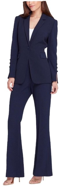 Preload https://img-static.tradesy.com/item/25638474/tahari-navy-8280m904-pant-suit-size-16-xl-plus-0x-0-1-650-650.jpg