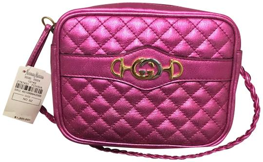 Preload https://img-static.tradesy.com/item/25638601/gucci-trapuntata-mini-quilted-metallic-fuchsia-leather-cross-body-bag-0-1-540-540.jpg