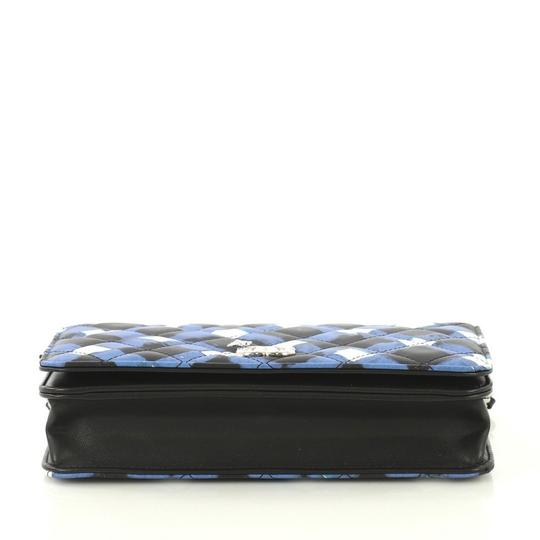 Chanel Wallet On Chain Leather white, black and blue Clutch Image 3