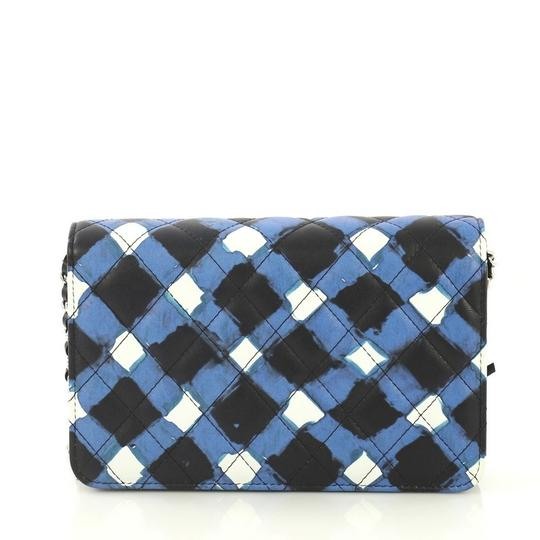 Chanel Wallet On Chain Leather white, black and blue Clutch Image 4