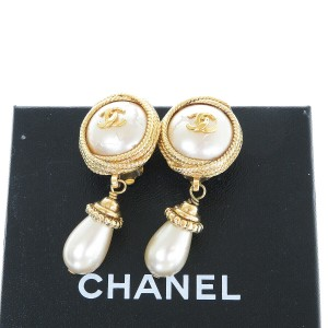 Chanel Auth CHANEL CC Imitation Pearl Earrings Clip-On Accessory France