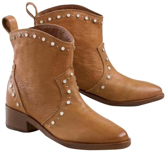Preload https://img-static.tradesy.com/item/25638820/dolce-vita-cognac-tobin-studded-western-leather-ankle-bootsbooties-size-us-7-regular-m-b-0-1-540-540.jpg