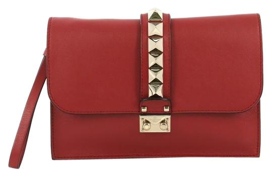 Preload https://img-static.tradesy.com/item/25638860/valentino-glam-lock-red-leather-clutch-0-1-540-540.jpg