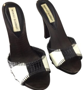 Manolo Blahnik black and white with dark brown wooden heels Mules