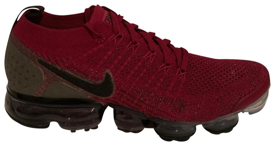 sale retailer b6755 9ddbb Nike Red Women's Air Vapormax Flyknit 2 Raspberry Black 942843 603 Sneakers  Size US 9 Regular (M, B)