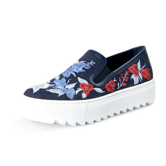 Preload https://img-static.tradesy.com/item/25646510/salvatore-ferragamo-blue-shoes-4191-platforms-size-us-85-wide-c-d-0-0-540-540.jpg