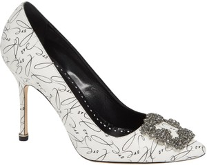 7d2d45e820478 Manolo Blahnik Love Hangisi Embellished Limited Edition White Pumps