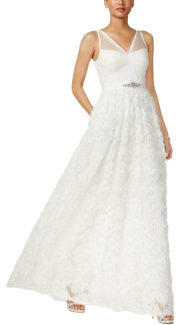 Item - Applique White Womens Petal Chiffon Sleeveless Gown Long Formal Dress Size 6 (S)