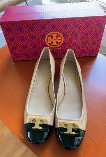 Tory Burch Leather Beige and Black Pumps Image 2