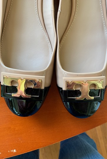 Tory Burch Leather Beige and Black Pumps Image 6