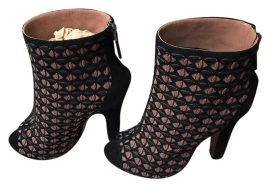 Preload https://img-static.tradesy.com/item/25649393/alaia-black-and-brown-peep-toe-rubber-studded-ankle-bootsbooties-size-us-7-regular-m-b-0-3-540-540.jpg