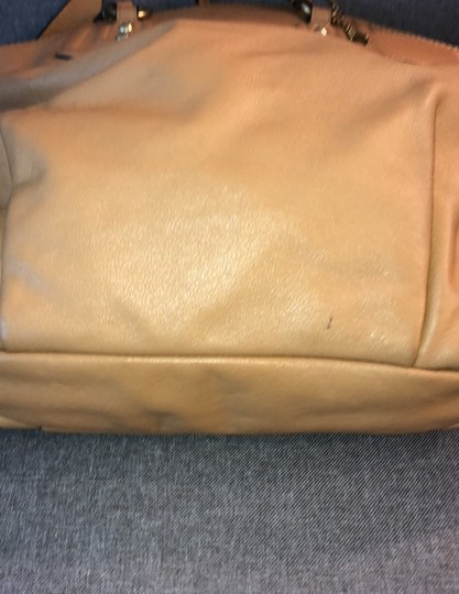 Coach Tote in camel Image 2