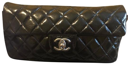 Preload https://img-static.tradesy.com/item/25649664/chanel-quilted-medium-patent-leather-cross-body-bag-0-1-540-540.jpg