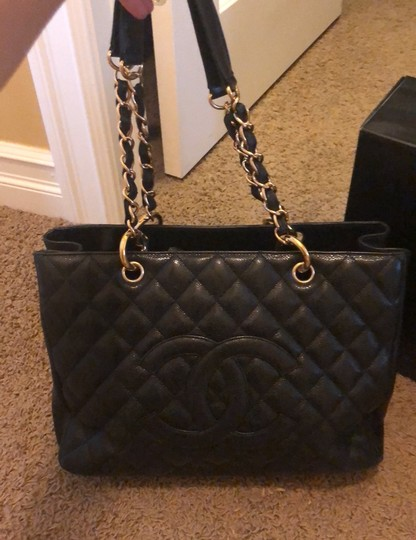 Chanel Tote in black with gold hardware Image 2