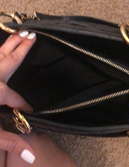 Chanel Tote in black with gold hardware Image 6