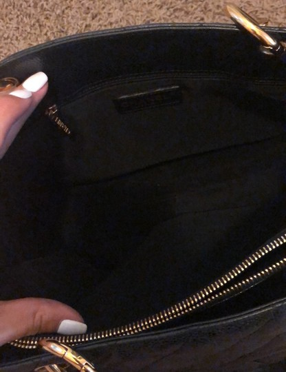 Chanel Tote in black with gold hardware Image 7