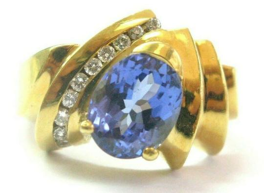 Preload https://img-static.tradesy.com/item/25649876/blue-oval-tanzanite-and-diamond-18kt-yellow-gold-aaaavs-256ct-20ct-ring-0-0-540-540.jpg