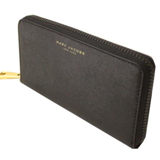 Preload https://item4.tradesy.com/images/marc-jacobs-black-zip-continental-saffino-leather-wallet-25650078-0-1.jpg?width=440&height=440